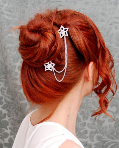 high chignon with a twist hair style