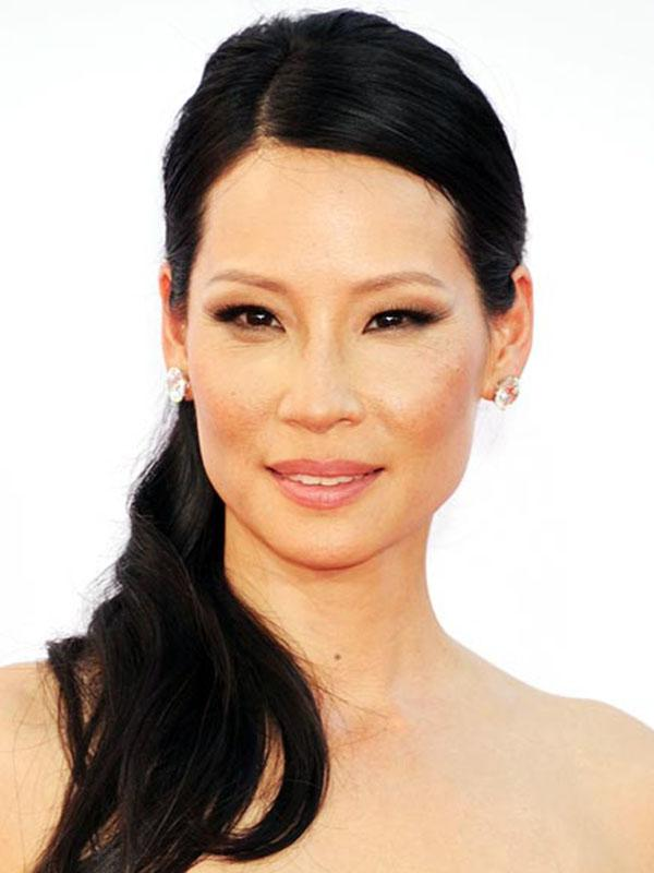 Lucy Liu's straight hair