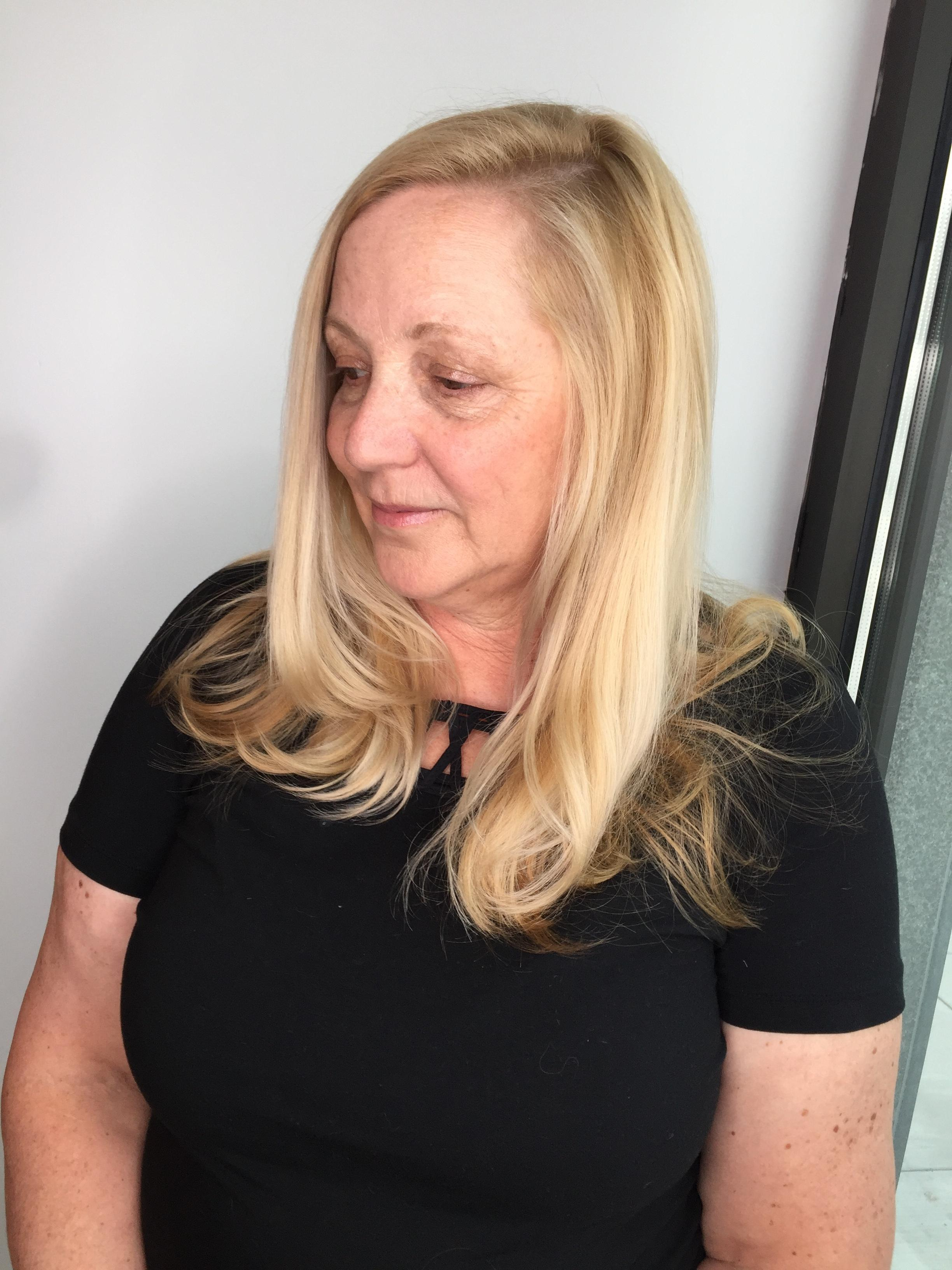 Blonde shadow root, medium blonde permanent shade at root and balayage Light Works with the Toning Glaze